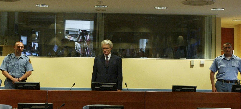 Radovan Karadzic devant le tribunal en juillet 2008. Photo TPIY