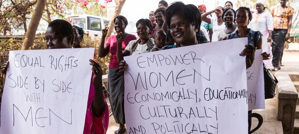 Celebración del Día Internacional de la Mujer en el centro cultural de Nyakuron en Juba, en Sudán del Sur. Foto: ONU/JC McIlwaine