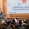 Le Secrétaire général Ban Ki-moon devant les participants de la Conférence nationale sur l'emploi à Tunis, en Tunisie. Photo ONU/Mark Garten