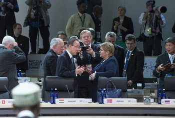 Secretary-General Ban Ki-moon with participants before the opening session of the Nuclear Security Summit in Washington, D.C.
