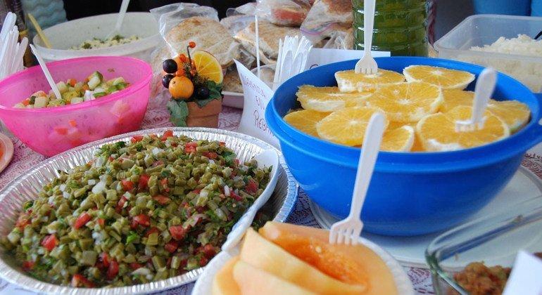 Здоровое  питание  поможет избежать  диабета. Фото  ВОЗ