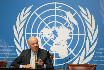 L'Envoyé spécial de l'ONU pour la Syrie, Staffan de Mistura, lors d'une conférence de presse. Photo : ONU / Pierre Albouy