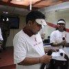 Anil Agarwal sufrió de depresión al enterarse de que era seropositivo. Actualmente trabaja en programas educativos sobre la prevención del VIH-SIDA en su país, India. Foto: UNICEF India/Candace Feit