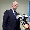 El enviado especial de la ONU para Siria, Staffan de Mistura, informa a la prensa en Ginebra. Foto de archivo: ONU/Jean-Marc Ferré