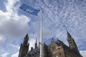 Le Palais de la Paix, siège de la Cour Internationale de Justice (CIJ) à La Haye, au Pays-Bas (2005).