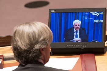 Under-Secretary-General for Humanitarian Affairs and Emergency Relief Coordinator, Stephen O'Brien (on screen), briefs the Security Council via video teleconference from Vienna on the humanitarian situation in Syria.