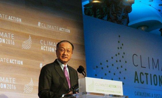 """Presidente do Banco Mundial, Jim Yong Kim, disse que """"a mudança climática é uma ameaça existencial para os mais pobres e os mais vulneráveis no mundo."""""""