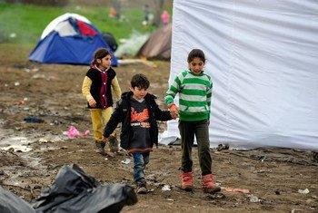 Em 2016, mais de 12 milhões de crianças viviam como refugiadas e 23 milhões como deslocadas internas, seja por conflitos ou por desastres naturais.