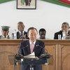 Le Secrétaire général Ban Ki-moon devant le Sénat et l'Assemblée nationale malgaches réunis en Congrès. Photo ONU/Mark Garten