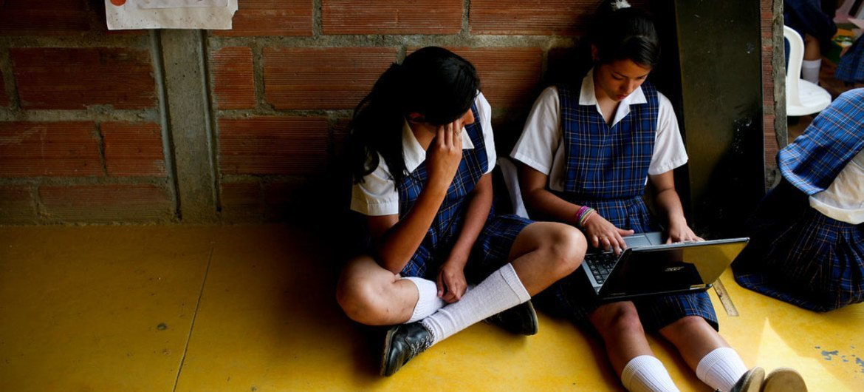 Des étudiantes de l'école du secondaire de San Jose, une école rurale à La Ceja, à Antioquia, en Colombie. Photo : Charlotte Kesl / Banque mondiale