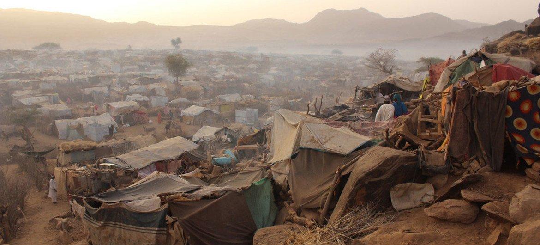 مخيم سورتوني  للنازحين في دارفور  16 مارس 2016. المصدر: برنامج الغذاء العالمي / مارك بروست