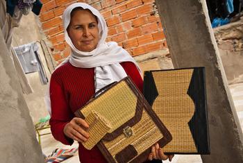 زينة فتاة تونسية تعمل في مؤسسة مبادرات التنمية. المصدر: أرني هول / البنك الدولي