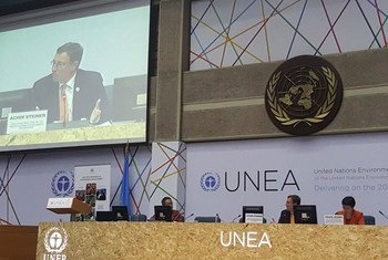 UNEP Executive Director Achim Steiner (on monitor) addresses the second United Nations Environment Assembly.