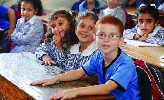 تقليص  ميزانية الأونروا يهدد تعليم 525 ألف طالب وطالبة ويدخل في دائرة الخطر أمان الملايين من لاجئي فلسطين الذين تدعمهم