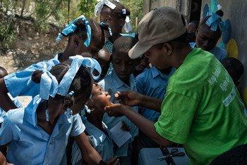 Кампания по  вакцинации  против холеры в  Гаити в 2014 году.  Фото ООН