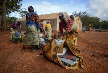 Desplazados burundeses por la violencia y los atropellos de derechos humanos. Foto de archivo: ACNUR/Benjamin Loyseau