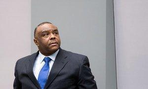 Jean-Pierre Bemba dans la salle d'audience de la Cour pénale internationale (CPI) le 21 juin 2016. La CPI a déclaré le 19 octobre 2016, M. Bemba et quatre autres accusés coupables de plusieurs atteintes à l'administration de la justice.