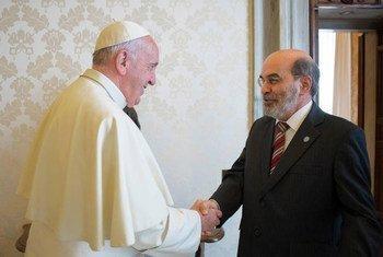 El Papa Francisco junto al Director General de la FAO, José Graziano da Silva. Foto archivo FAO
