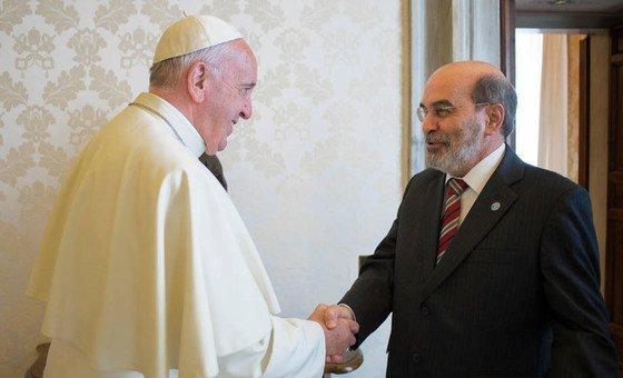 Papa Francisco em encontro com Jose Graziano da Silva