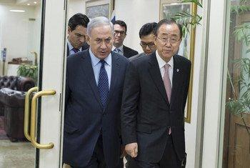 Secretary-General Ban Ki-moon (right) with Prime Minister Benjamin Netanyahu in Jerusalem.