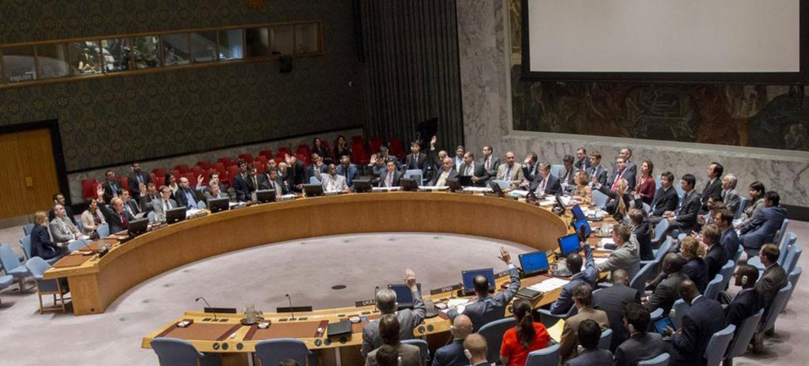 Wide view of the Security Council on 29 June 2016 where members took action on mandates of peacekeeping operations in Mali, Darfur, and the Golan Heights.