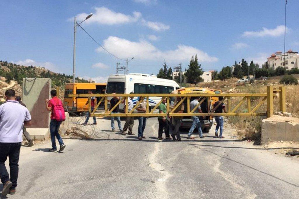 这个进出希伯伦的巴勒斯坦村庄和城镇的路口被以色列军队设置了关卡。(资料图片)