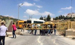Un point d'accès à un village du gouvernorat d'Hébron bloqué par les forces israéliennes en juin 2016 (archives).