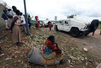 Parte de la población desplazada en Juba vive en las bases de la UNMISS. Foto: ONU/Eric Kanalstein