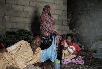 Вооруженный конфликт в Ливии принес неисчислимые страдания мирному населению. Абд Аль-Али - сам инвалид -  живет с семьей в окрестностях Триполи и полагается на помощь соседей.