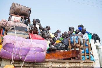 لاجئون من جنوب السودان يصلون في شمال أوغندا المصدر: مفوضية الأمم المتحدة للاجئين / ويل سوانسون