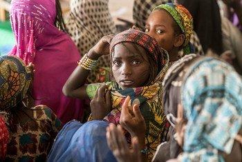Niños afectados por la violencia de Boko Haram se refugian temporalmente en Difa, Níger. Foto de archivo: UNICEF/Sylvain Cherkaoui
