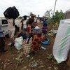 Población sursudanesa desplazada que ha buscado protección en las instalaciones de la Misión de la ONU en Sudán del Sur (UNIMISS). Foto: UNMISS/Eric Kanalstein