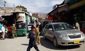 Une rue dans la ville de Quetta, au Pakistan. Une attaque terroriste perpétrée mercredi matin contre un bureau de vote de la capitale du Baloutchistan a fait au moins une trentaine de morts
