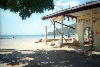 泰国普吉岛的一处海滩。儿基会/Panadda Srikotcha