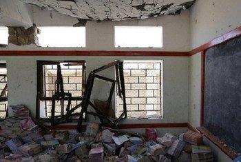 Une salle de classe à Sa'ada, au Yémen, gravement endommagée dans le récent conflit en avril 2016.