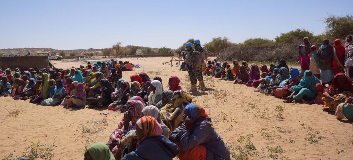 UNAMID Peacekeepers provide protection to displaced women and children from Anka and Umm Rai, North Darfur.