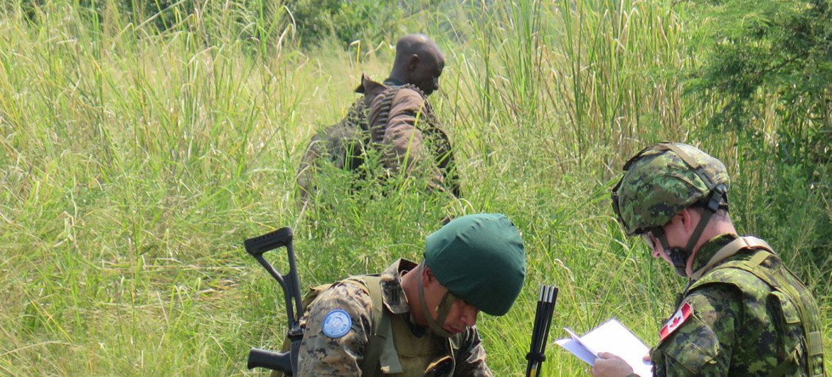 In North Kivu Province, soldiers of the Democratic Republic of the Congo (DRC) armed forces, with support from the UN Organization Stabilization Mission in the Democratic Republic of the Congo (MONUSCO), continue tracking down armed groups in eastern DRC. Photo MONUSCO/Alain Wandimoyi