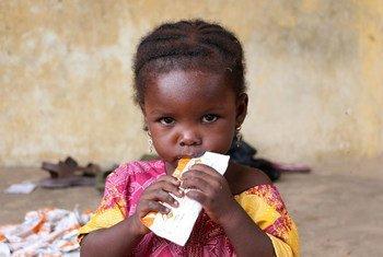 Un enfant dans un camp de déplacés à Maiduguri, au Nigéria. Photo PAM/Simon Pierre Diouf
