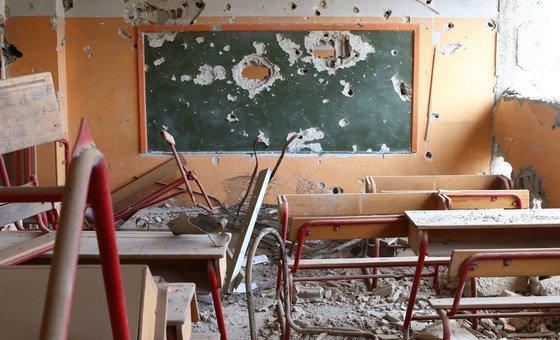 Milhares de escolas foram destruídas ou usadas para fins militares na Síria.