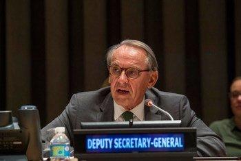 Le Vice-Secrétaire général, Jan Eliasson, s'exprimant lors d'un dialogue interactif informel de l'Assemblée générale sur la responsabilité de protéger. (archives) Photo ONU/Cia Pak