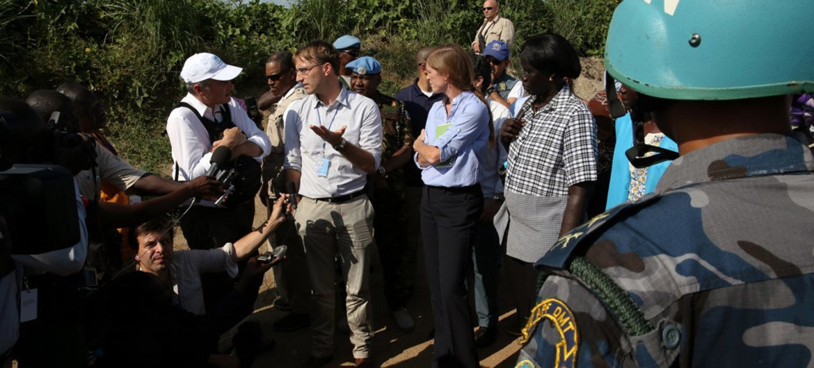 The visiting UN Security Council delegation tours Protection of Civilian sites 1 and 3 and discusses the current situation and the way forward for the peace process in September 2016.