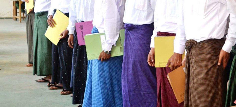 缅甸政府军2016年9月9日释放了被征募和使用55名儿童和青少年。