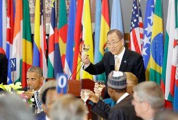Ланч  Пан Ги  Муна  с главами государств и правительств  в штаб-квартире ООН  в Нью-Йорке