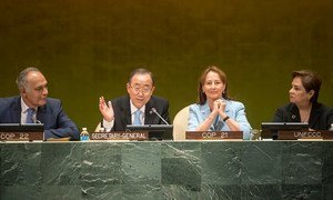 Secretary-General Ban Ki-moon (centre left) during the High-level Event on the Entry into Force of the Paris Agreement.