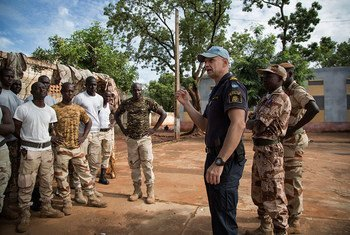 A view of participants at a close protection training exercise being conducted by UN Police (UNPOL) Training Team at the United Nations Multidimensional Integrated Mission in Mali (MINUSMA).