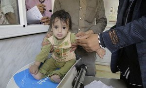 In Yemen, a nation-wide mobile campaign 24-29 September 2016, reached more than 600,000 children under the age of five and over 180,000 pregnant and breastfeeding mothers with a package of health and nutrition services.