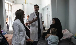 UNICEF representative in Syria Hanaa Singer (left) visits UNICEF health, water and sanitation partners  at the Aleppo University Hospital on 29 September 2016.