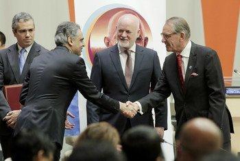 Ceremonia de ratificación del Acuerdo de París por la India. Foto: ONU/Evan Schneider