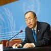 Le Secrétaire général de l'ONU, Ban Ki-moon, donne une conférence de presse à l'Office des Nations Unies à Genève. Photo ONU/Rick Bajornas