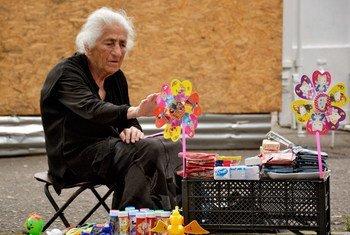 Hay más de 141 millones de personas mayores de 60 años en el mundo. Foto: OMS